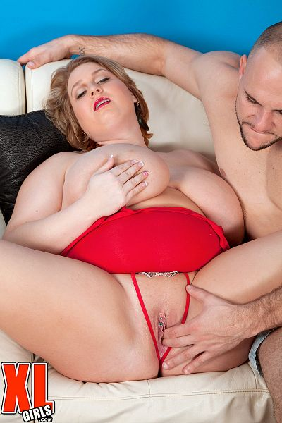 Molly Howard - XXX BBW photos