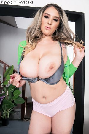 Katy Shavon - Solo Big Tits photos