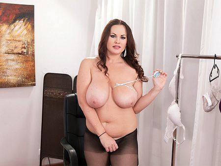 Ellis Rose - Solo Big Tits video