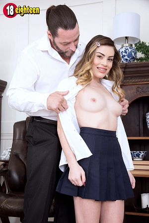 Veronica Valentine - XXX Teen photos