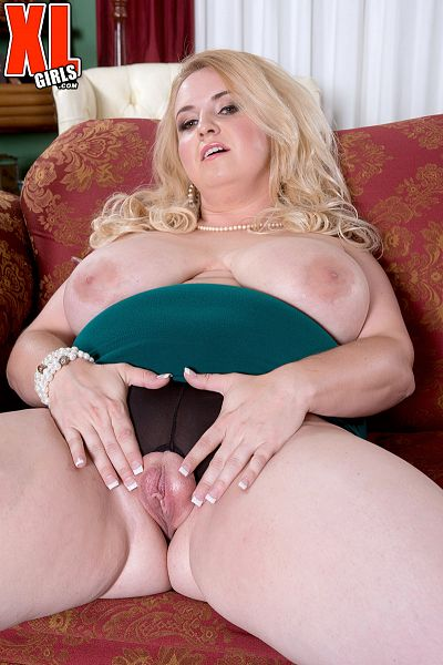 Nikky Wilder - Solo BBW photos