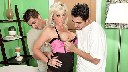 Sergio - XXX MILF video