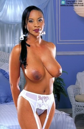 Michelle - Solo Big Tits photos